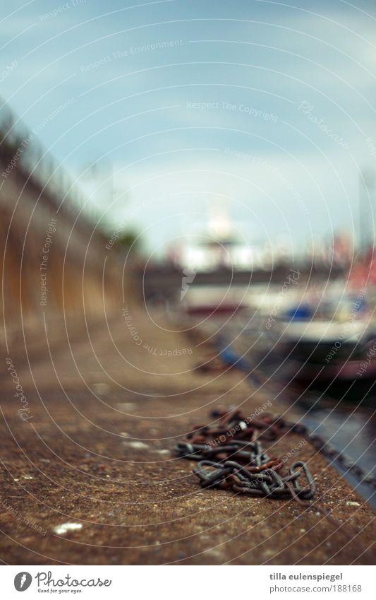 . Ferien & Urlaub & Reisen Ferne Wasserfahrzeug Hafen Schifffahrt Kette Ostsee Tiefenschärfe Kreuzfahrt Mole Kettenglied
