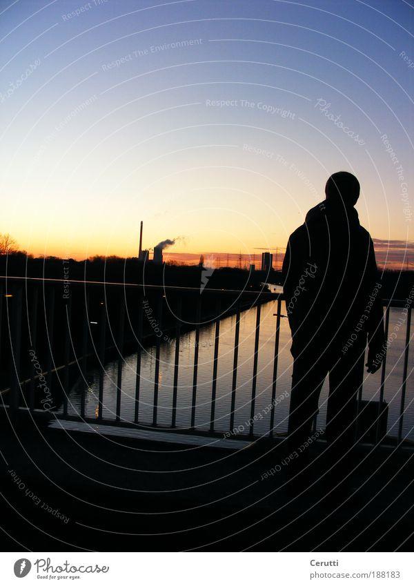 Sundown Mensch Himmel Mann blau Wasser Landschaft Ferne Winter Erwachsene Umwelt Herbst Denken Horizont maskulin Eis stehen
