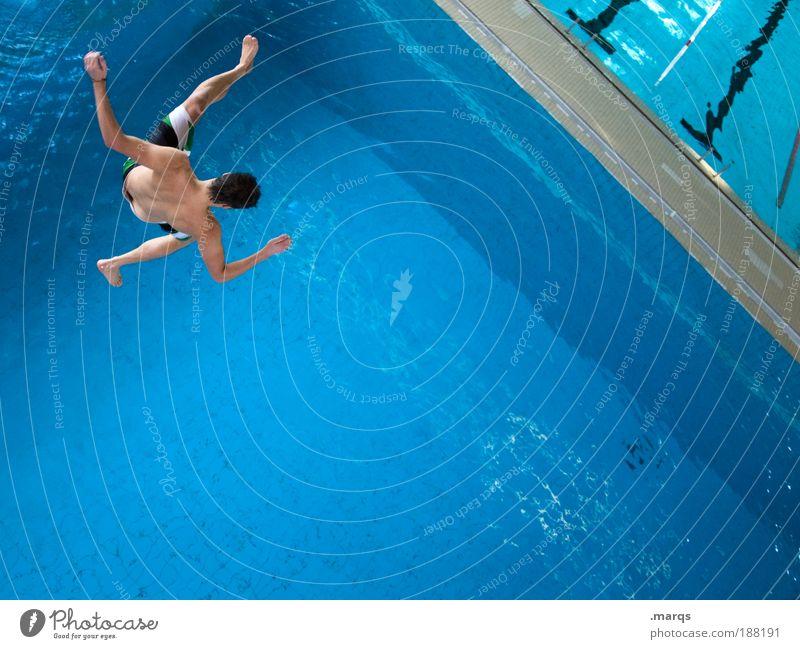 Reinfall Jugendliche blau Wasser Freude Erwachsene Leben Sport springen Gesundheit Körper Angst Freizeit & Hobby Schwimmen & Baden maskulin Ausflug Fröhlichkeit