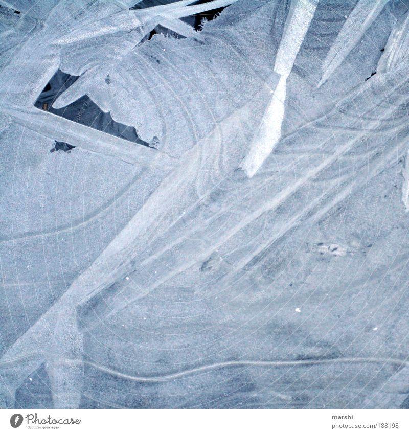 Wassereis Natur Winter Wetter Eis Frost Teich Bach kalt blau weiß gefroren Muster Strukturen & Formen Schneeflocke Farbfoto Außenaufnahme