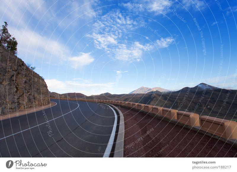 ON THE ROAD AGAIN Straße Ferien & Urlaub & Reisen Reisefotografie Teneriffa Berge u. Gebirge bergig Pico del Teide Nationalpark Kurve Hochebene Insel blau