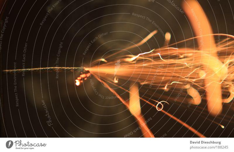 """3...2...1...""""badaboom"""" und Geld weg Silvester u. Neujahr braun gelb schwarz Zündschnur brennen Funken Glut Feuer Feuerwerk sprühen Rauch gefährlich hell orange"""