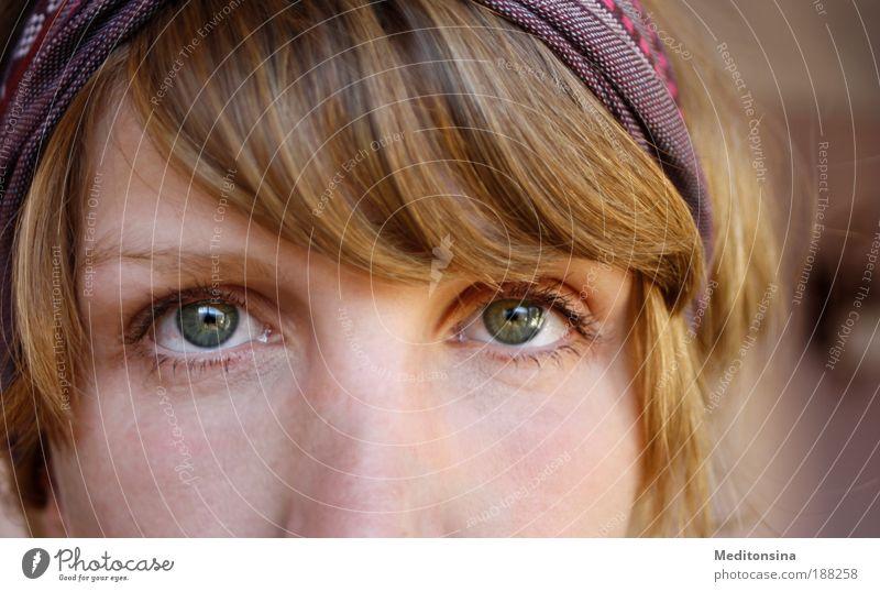 denkdenk ruhig feminin Junge Frau Jugendliche Haare & Frisuren Gesicht Auge 1 Mensch 30-45 Jahre Erwachsene Haarband blond Denken Blick warten authentisch