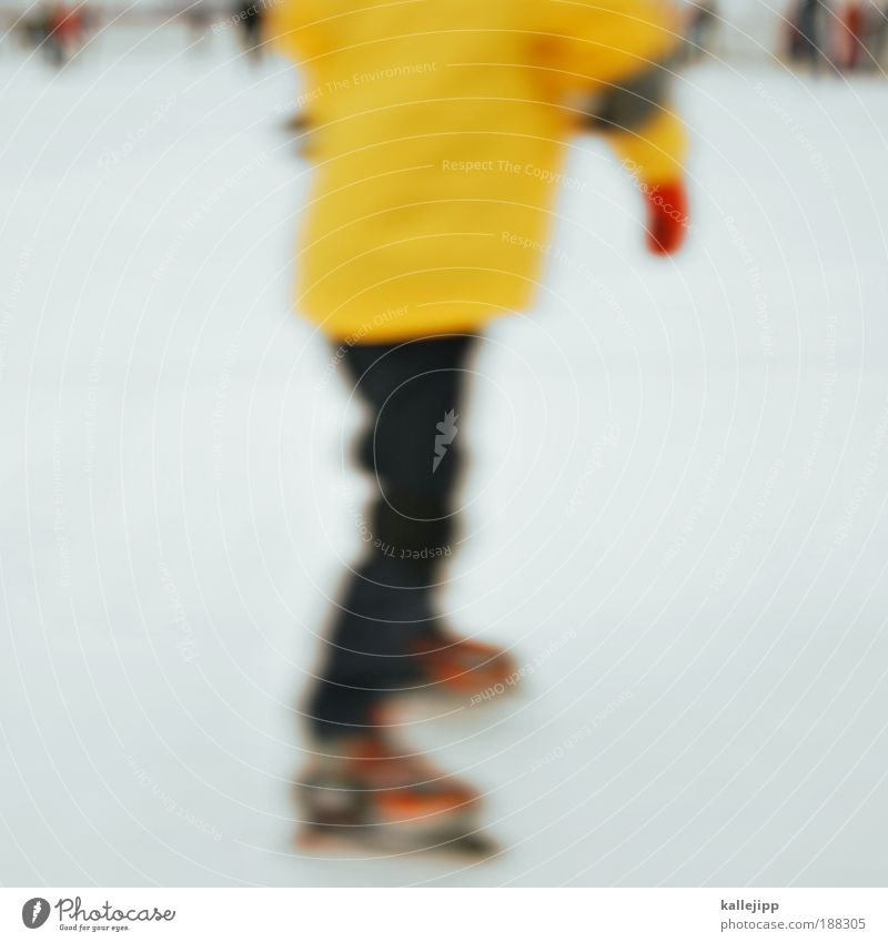 ein glühwein bitte ... Mensch Hand weiß Winter Freude gelb kalt Schnee Sport Menschengruppe Beine Fuß Eis Rücken Freizeit & Hobby Finger