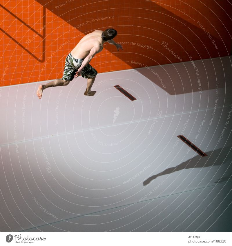 Luftikus Jugendliche Freude Erwachsene Leben Wand Sport Architektur Bewegung springen Stil Mauer orange Freizeit & Hobby fliegen maskulin ästhetisch