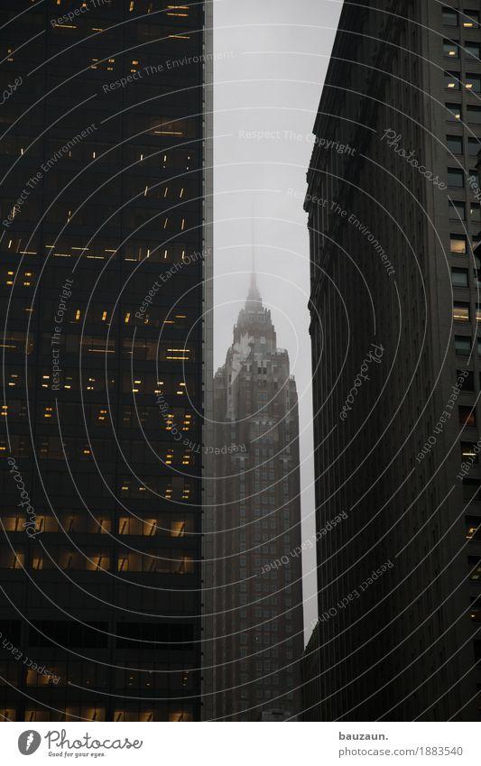 wolkig in nyc. Ferien & Urlaub & Reisen Tourismus Sightseeing Städtereise Himmel Wolken Klima Wetter schlechtes Wetter Nebel New York City USA Stadt Haus