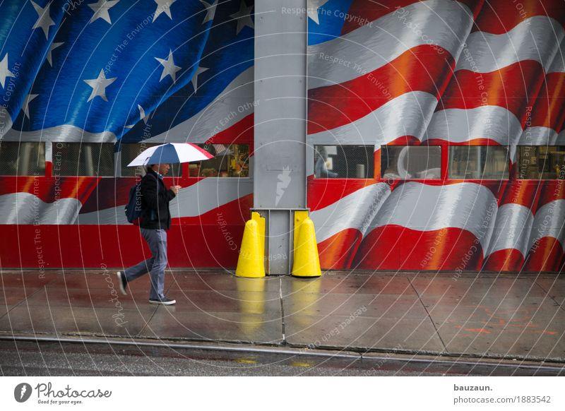 regen in nyc. Ferien & Urlaub & Reisen Tourismus Sightseeing Städtereise Mann Erwachsene Körper 1 Mensch Klima Wetter schlechtes Wetter Regen New York City USA