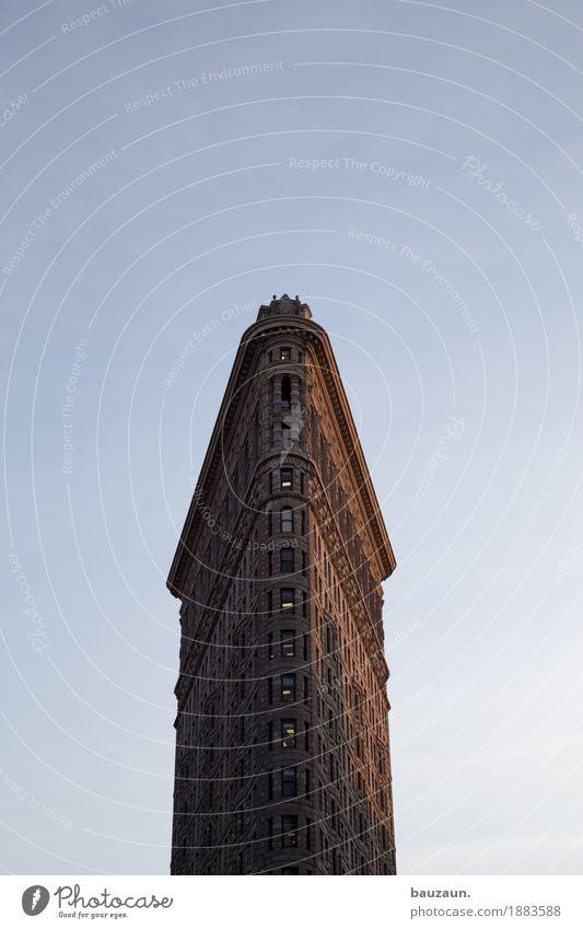 sonnig in nyc. Himmel Stadt schön Haus Fenster Architektur Wand Gebäude Mauer Fassade Wetter Hochhaus USA Schönes Wetter Dach Bauwerk