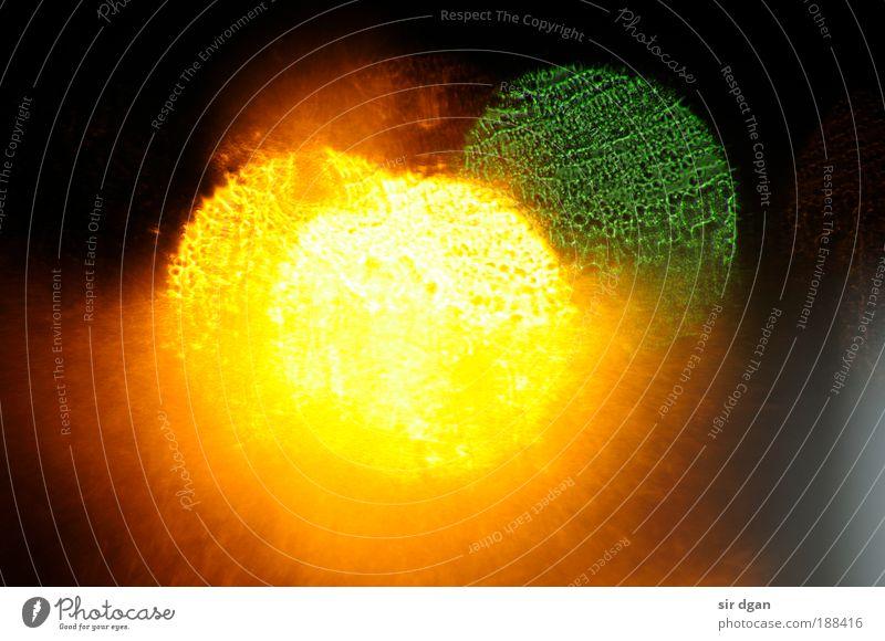 supernova1 grün rot Winter schwarz Farbe Erholung Stil Fenster träumen Kraft Kunst Glas Wassertropfen nass gold Energie
