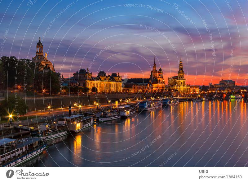 Dresden nach Sonnenuntergang Skyline Architektur Dampfschiff ästhetisch historisch schön Stadt Stimmung Ferien & Urlaub & Reisen Sachsen Deutschland Großstadt