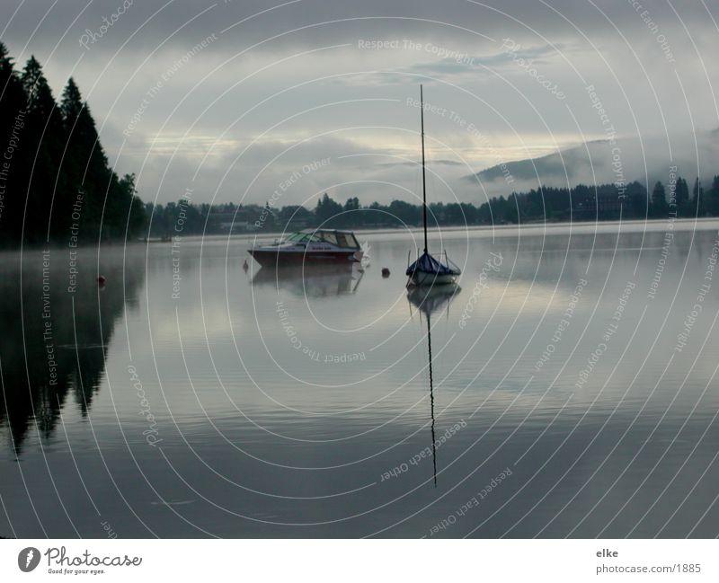 kein zeitgefühl Wasser Berge u. Gebirge See Wasserfahrzeug Nebel Morgennebel