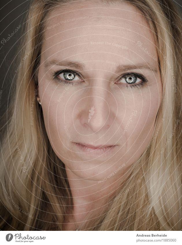 Blonde Frau Mensch schön Erwachsene feminin Kopf Coolness attraktiv rebellisch 30-45 Jahre