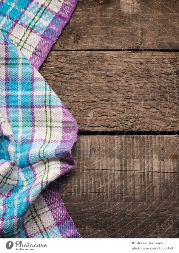 Kariertes Geschirrtuch auf einem Holztisch alt retro table cloth picnic Hintergrundbild tablecloth wooden textile checkered white pattern texture blanket
