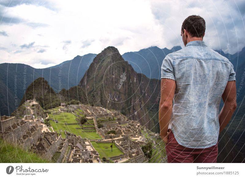 Machu picchu Mensch maskulin Mann Erwachsene Körper 1 18-30 Jahre Jugendliche Kultur Umwelt Natur Landschaft Berge u. Gebirge Bekanntheit hoch schön