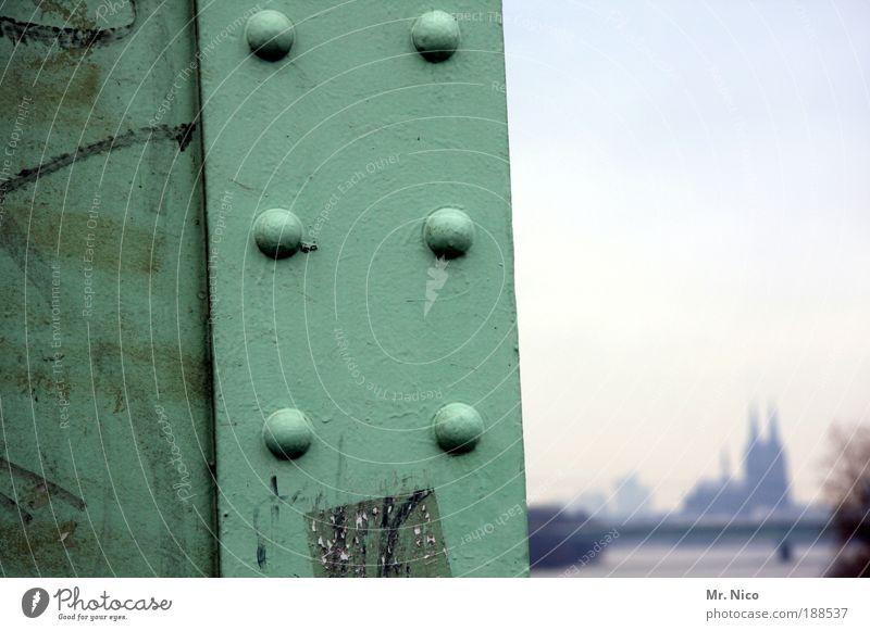 # dom Tourismus Sightseeing Köln Kölner Dom Stadt Brücke Bauwerk Sehenswürdigkeit Wahrzeichen Straßenverkehr Stahl Rost Umwelt wint Niete hintergrund kölle