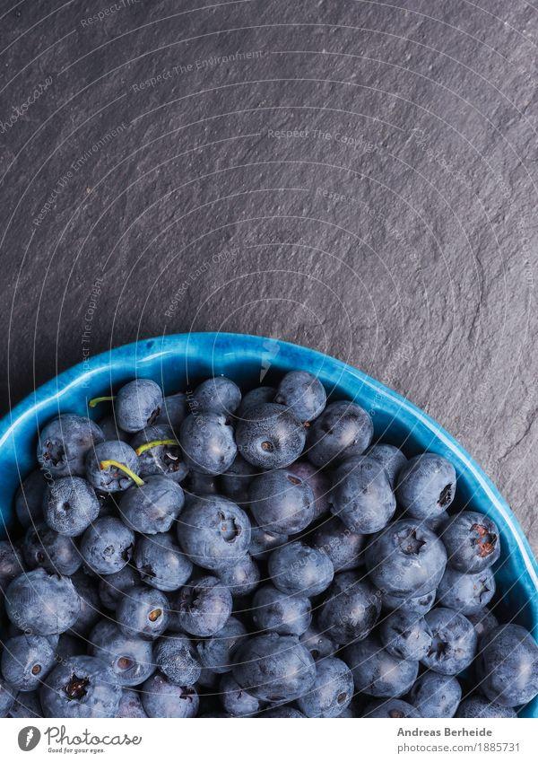 Leckere Heidelbeeren Frucht Ernährung Bioprodukte Vegetarische Ernährung Sommer frisch Gesundheit lecker blau blueberries Hintergrundbild fruit black food fresh