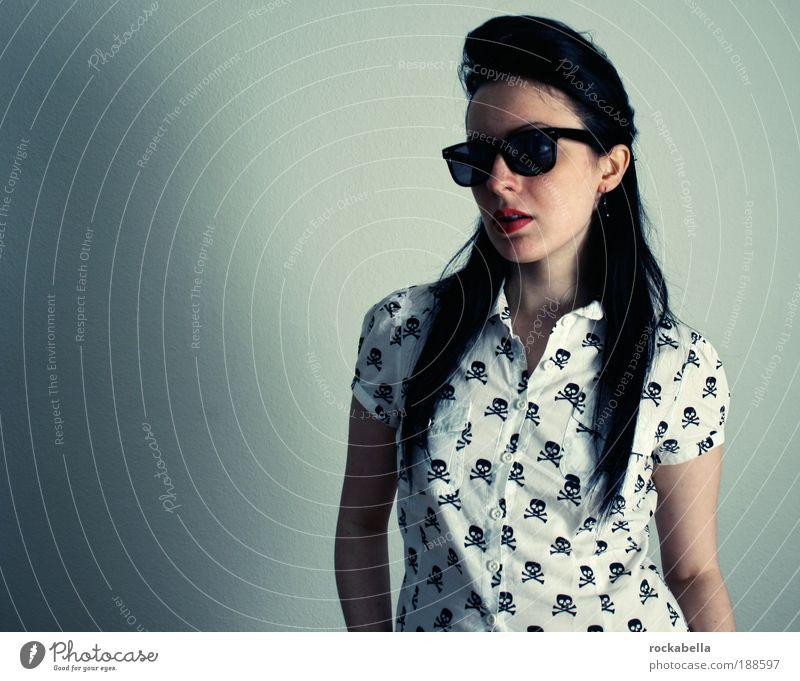 rockabella. Freude feminin Freizeit & Hobby Mode Brille ästhetisch stehen Coolness retro einzigartig Sonnenbrille trendy Nostalgie Punk selbstbewußt