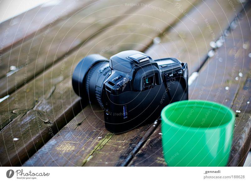 Kamera Tee Fotokamera Spiegelreflexkamera analog Becher Technik & Technologie heiß kalt grün Lust ruhen ruhig Einsamkeit warten Fotografieren Fototechnik