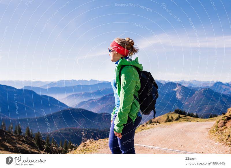 Kaiserwetter Himmel Natur Jugendliche grün Junge Frau Erholung 18-30 Jahre Berge u. Gebirge Erwachsene Herbst Lifestyle natürlich Sport Freizeit & Hobby wandern
