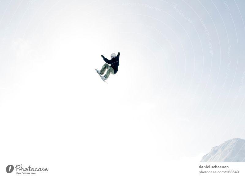 habe den Skiurlaub überlebt !! Ferien & Urlaub & Reisen Jugendliche Freude Winter Bewegung Schnee Stil Sport Glück Freiheit fliegen springen Tourismus verrückt
