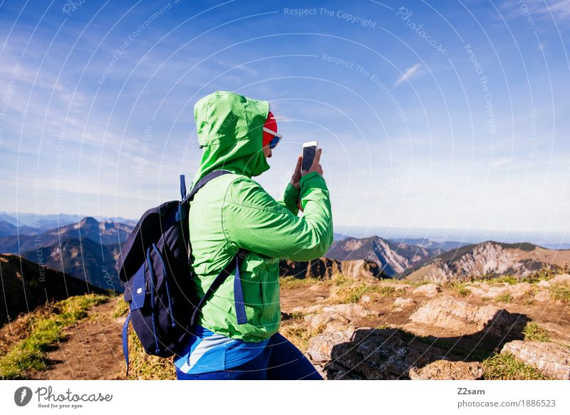 FOTO Natur Jugendliche grün Junge Frau Landschaft Erholung Berge u. Gebirge Erwachsene Herbst Sport Freizeit & Hobby wandern Idylle Schönes Wetter Abenteuer