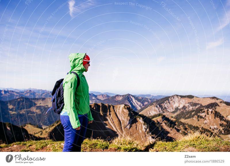 Endlich oben Lifestyle Freizeit & Hobby Abenteuer Berge u. Gebirge wandern Junge Frau Jugendliche 18-30 Jahre Erwachsene Natur Landschaft Schönes Wetter Alpen