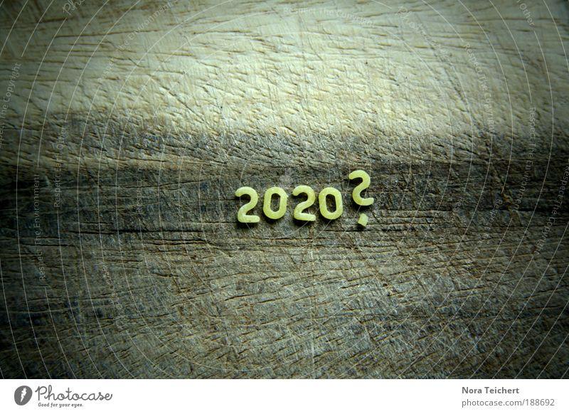 2020? gelb Wege & Pfade Holz Traurigkeit Denken träumen Zeit Stimmung Angst Lebensmittel warten verrückt Zukunft Ernährung Schriftzeichen Wandel & Veränderung