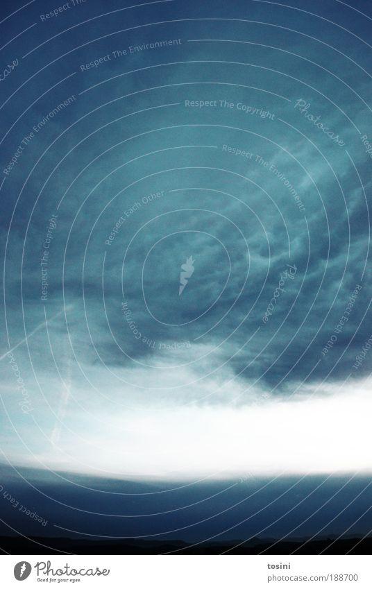 Himmel über Deutschland Umwelt Natur Landschaft Erde Luft Wolken Gewitterwolken Horizont Klima Wetter Regen blau beeindruckend Naturphänomene Farbfoto