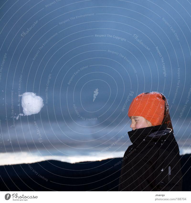 Nahendes Unheil Kind Jugendliche Freude Winter kalt Leben Schnee Gefühle Spielen Freundschaft fliegen Kindheit Fröhlichkeit verrückt Ausflug bedrohlich