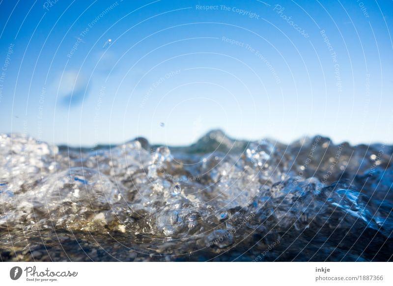 *blubber* Urelemente Wasser Himmel Wolkenloser Himmel Horizont Schönes Wetter Wellen Küste Strand Nordsee Ostsee Meer nass wild blau Blubbern Brandung Farbfoto
