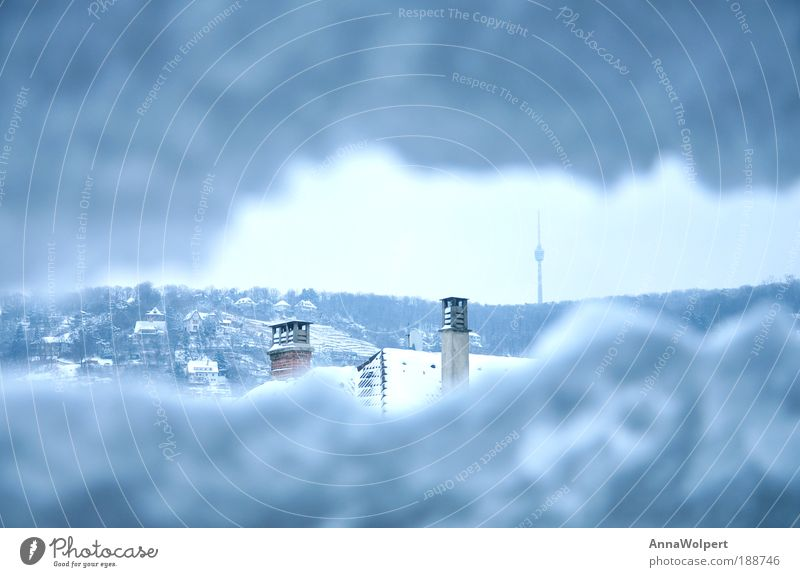 Stuttgart - eingeschneit Freiheit Winter Schnee Fernseher Himmel Sturm Eis Frost Hagel Gletscher Stadt Stadtrand Bauwerk Antenne Fernsehturm Blick hoch kalt