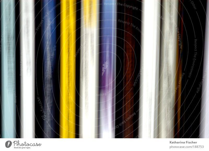 Ten Kunst Musik Compact Disc hören blau mehrfarbig gelb schwarz Farbfoto Gedeckte Farben Menschenleer Kunstlicht Unschärfe