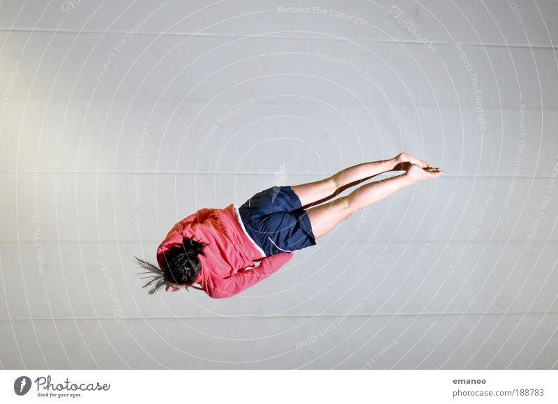 barani Lifestyle elegant Freude Sport Sportler Erfolg Salto schrauben Kontrolle Kraft Trampolin Sportstätten feminin Junge Frau Jugendliche 1 Mensch