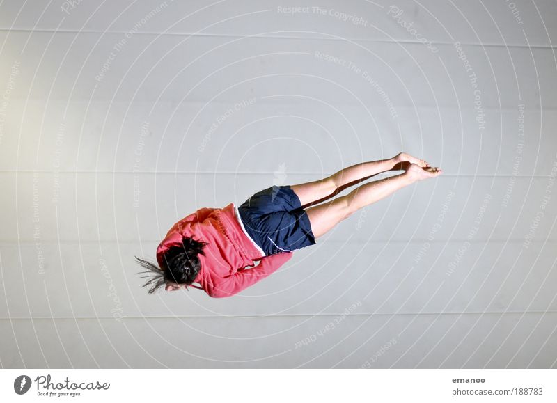 barani Mensch Jugendliche Freude Sport feminin springen Bewegung Frau Kraft elegant fliegen Erfolg Lifestyle Coolness Kultur authentisch