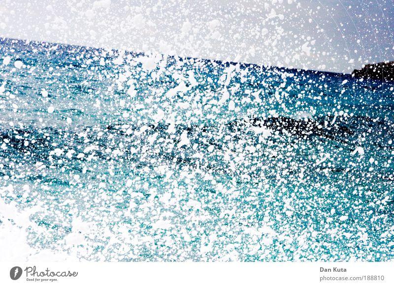 Schaumparty! Wasser Sommer Meer Ferien & Urlaub & Reisen Leben Küste Wellen Kraft Farbe Wassertropfen bedrohlich Dinge außergewöhnlich Flüssigkeit entdecken
