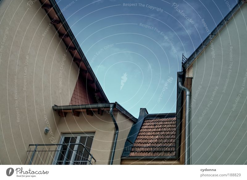 Gegenüber Himmel ruhig Haus Leben Wand träumen Traurigkeit Mauer Linie Architektur Tür Design Zeit Perspektive ästhetisch Aussicht