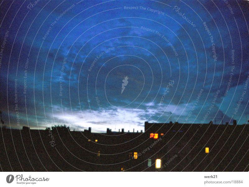 Berliner Nachthimmel Stadt Fenster Wolken Haus Licht Beleuchtung Europa Himmel