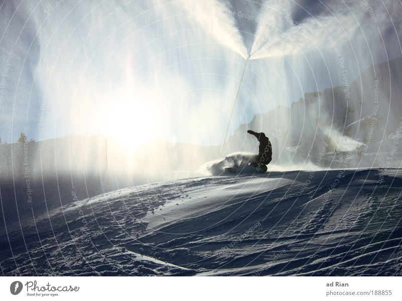 Spray Lifestyle Stil Freizeit & Hobby Ferien & Urlaub & Reisen Tourismus Winter Schnee Winterurlaub Berge u. Gebirge Sport Wintersport Sportler Snowboard