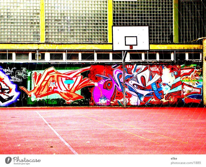 spielplatz Graffiti Sport Basketball Sporthalle Basketballkorb Schulhof Glaswand Basketballplatz