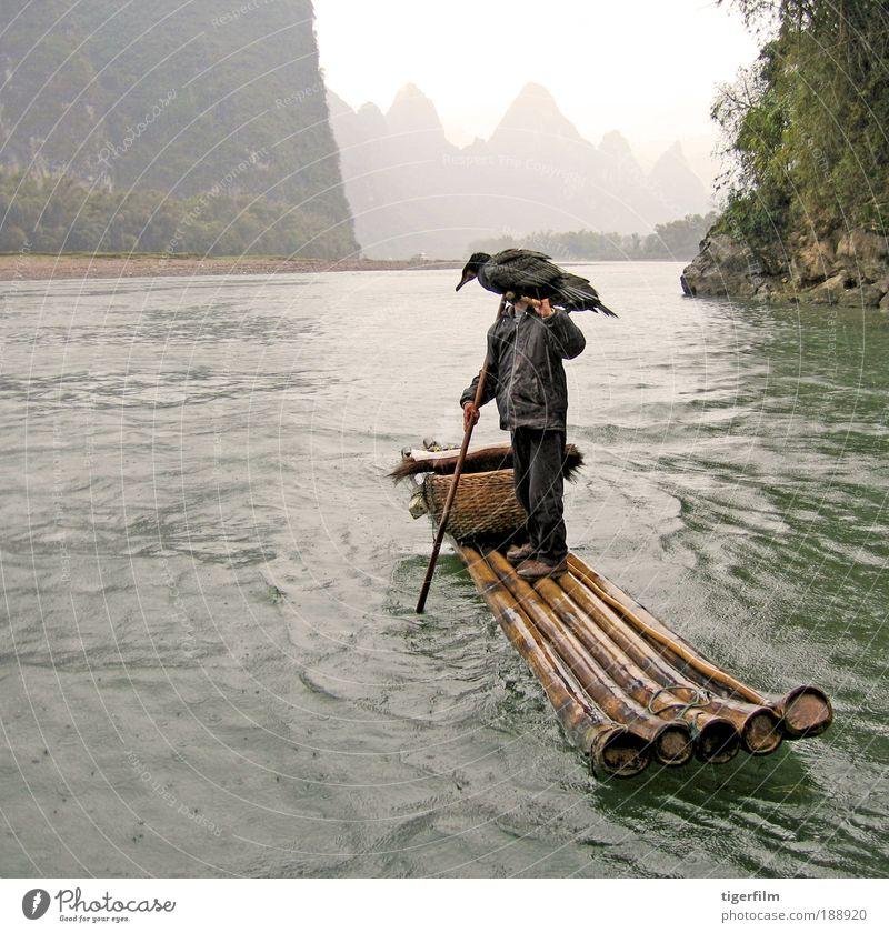 Vogelmann aus China schön Angeln Ferien & Urlaub & Reisen Berge u. Gebirge Landschaft Wasser Nebel Regen Hügel Gipfel Schlauchboot Wasserfahrzeug tragen Fischer