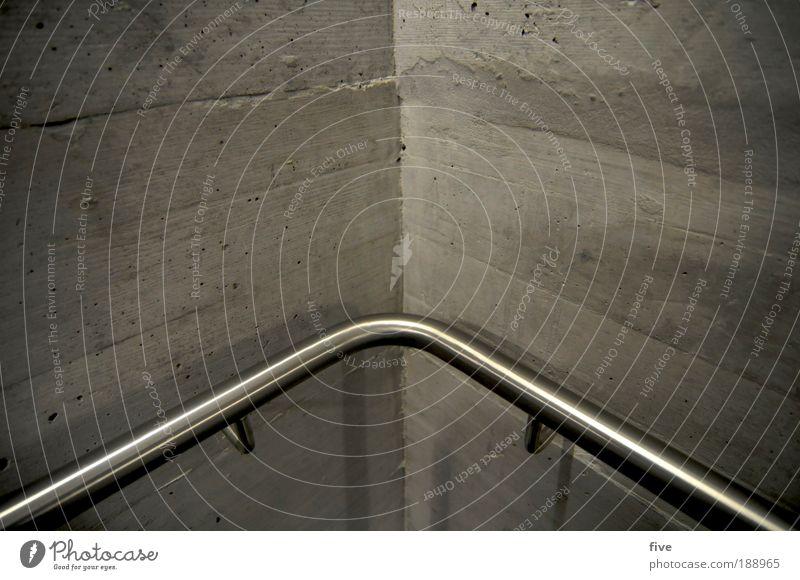 in die ecke Haus Mauer Wand eckig kalt rund grün Treppenhaus Treppengeländer Geländer Farbfoto Innenaufnahme Detailaufnahme