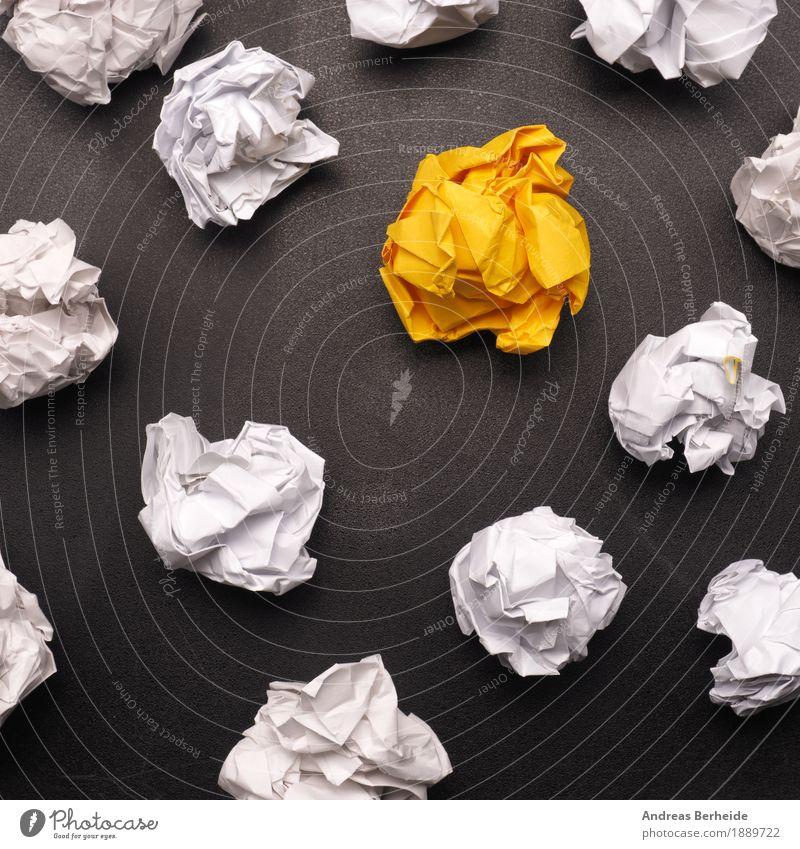 Eine herausragende Idee gelb Business Design Kraft Erfolg Kreativität lernen Papier Symbole & Metaphern Falte Inspiration Werkstatt Arbeitsplatz Zettel