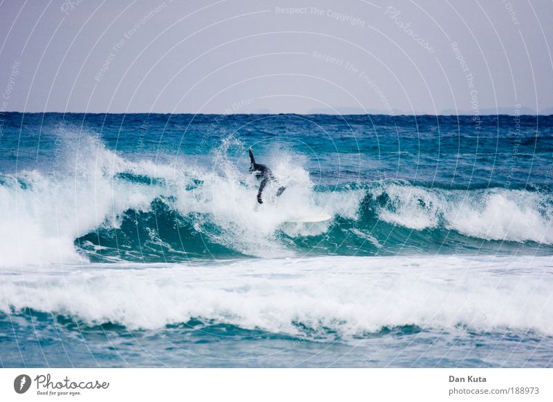 Game over! Mensch Mann Jugendliche Wasser Himmel Meer Sommer Strand Sport Spielen Küste Wellen Erwachsene maskulin Wind authentisch