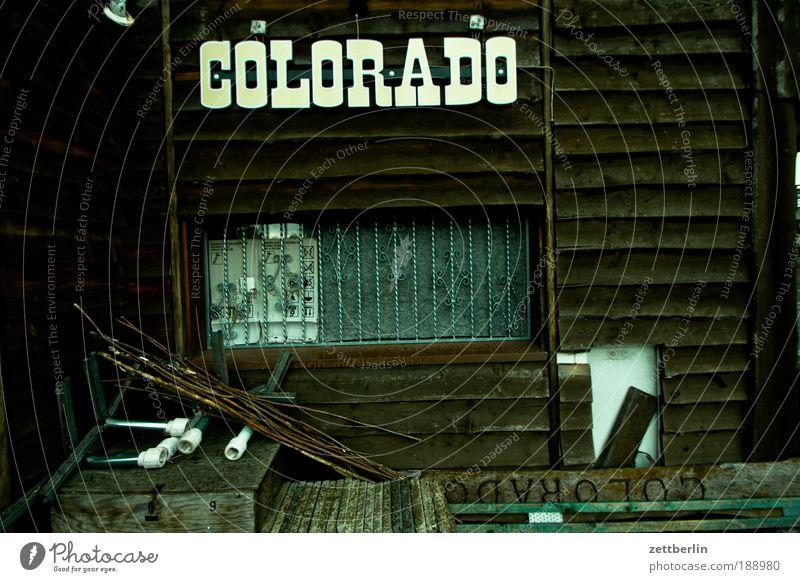 COLORADO Colorado Holzhaus Balken Dachgebälk Wilder Westen Imbiss Wohnung Buden u. Stände Kiosk Gastronomie Slowfood Winterpause Pause einkehr Fenster