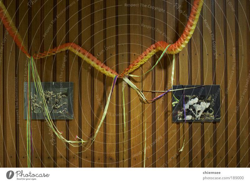 Silvester in Deutschland Party Feste & Feiern Mauer Wand Girlanden Holz spießig Wandtäfelung Silvester u. Neujahr Farbfoto Innenaufnahme Kunstlicht