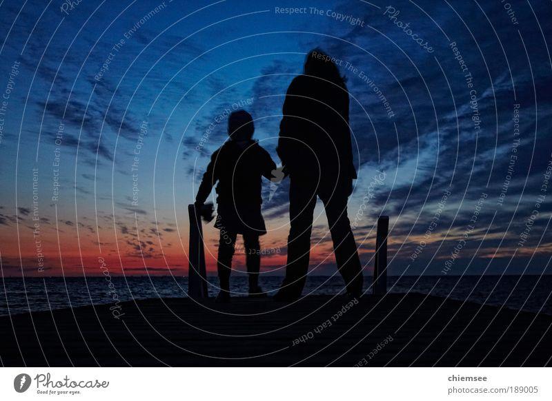 Grenzenlos Frau Mensch Kind Wasser Himmel Meer blau Sommer Ferien & Urlaub & Reisen ruhig Ferne Erholung Gefühle Freiheit Zufriedenheit Stimmung