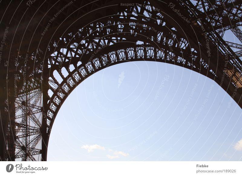 tragische Stehlampe Ferien & Urlaub & Reisen Kunst Tourismus Kultur Paris Denkmal Stahl Wahrzeichen Konstruktion Sehenswürdigkeit Hauptstadt Kontrast