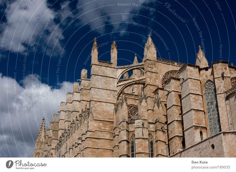 Catedral Collossal Catedral de Palma de Mallorca Spanien Kirche Dom Bauwerk Gebäude Architektur Sehenswürdigkeit Wahrzeichen Denkmal anstrengen geheimnisvoll
