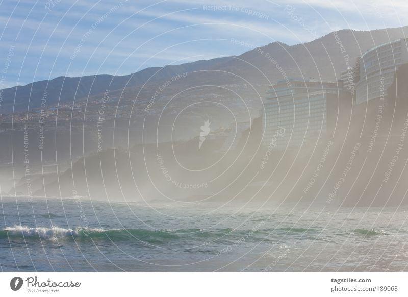 SONNENSTRAHLEN Natur Wasser Meer Winter Ferien & Urlaub & Reisen Erholung Berge u. Gebirge Nebel Felsen Tourismus Idylle Bucht Spanien Brandung Atlantik Bergkette