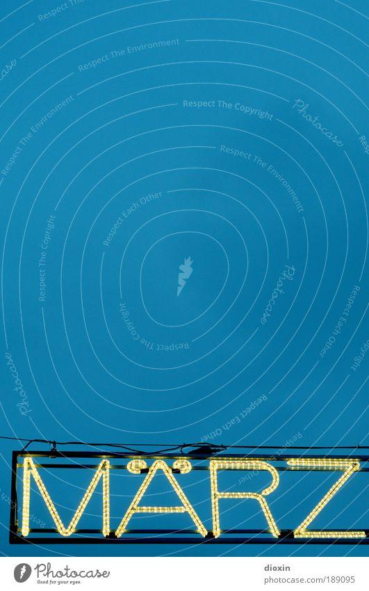 Januar, Februar... blau Frühling hell Zeit Energie Elektrizität Kabel Schriftzeichen Buchstaben leuchten Jahr Typographie März Leuchtdiode Monat Lichtschlauch